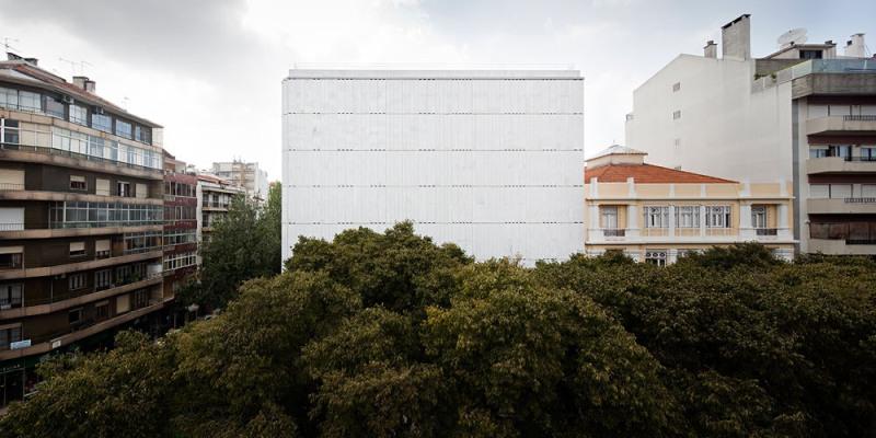 Lisbon Stone Block - Alberto de Souza Oliveira
